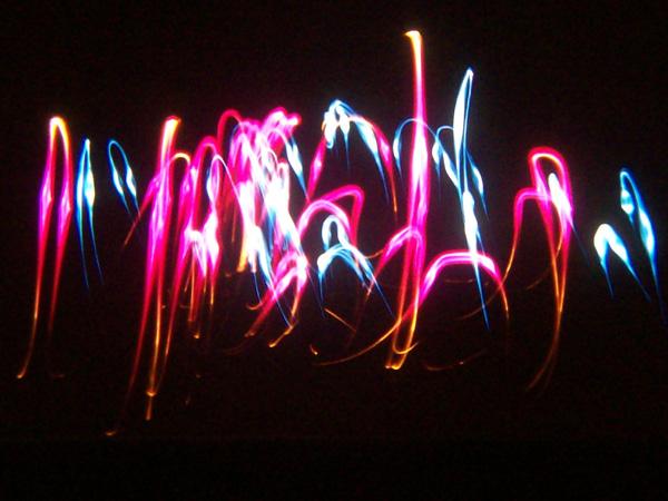 Peindre avec la lumi re musique dans le noir for Dans ke noir